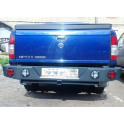 Задний бампер Nissan NP-300